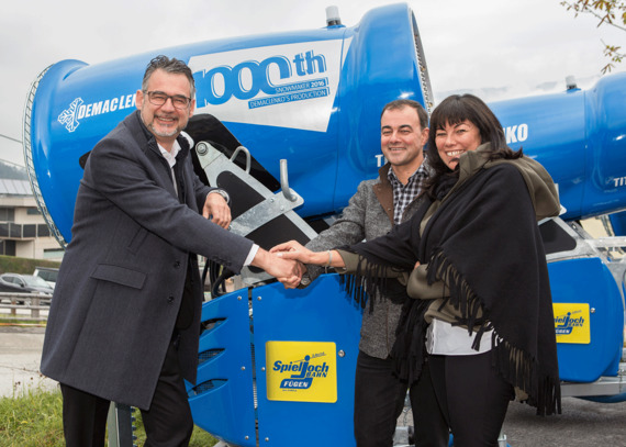 Official handover of the 1.000th snow gun 2016 to the Schultz-Group