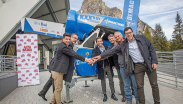 "Demaclenko comes ""home"" to deliver its 1,000th Snow gun in 2017: official handover to Ski Carosello Corvara"